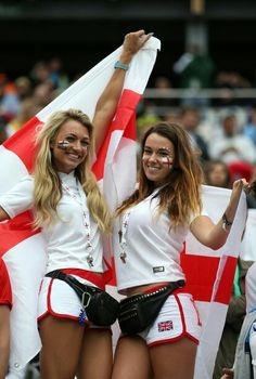 England fans enjoy the atmosphere prior to the 2014 FIFA World Cup Brazil Group D match between Uruguay and England Soccer World, Soccer Fans, Football Fans, World Cup 2014, Fifa World Cup, Neymar, Hot Fan, England Fans, Russia 2018
