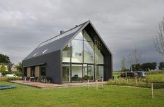 houses : Lofthome UK Ltd Barn House Design, Modern Barn House, Residential Architecture, Architecture Design, Natur House, Steel Frame House, Loft House, Scandinavian Home, Glass House