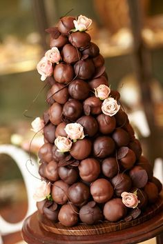 Non-Traditional Wedding Cake Types. Decadent Chocolate Covered Croquembouche wit… Non-Traditional Wedding Cake Types. Decadent Chocolate Covered Croquembouche with fresh blush roses French Wedding Cakes, Unique Wedding Cakes, Unique Cakes, Wedding Cake Designs, Croquembouche, After Eight Torte, Cupcake Cakes, Cupcakes, Wedding Cake Alternatives