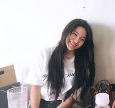 a girlfriend look of kim yerim. Seulgi, Red Velvet イェリ, Red Velvet Irene, Kpop Girl Groups, Kpop Girls, Red Valvet, Rapper, Kim Yerim, Thing 1