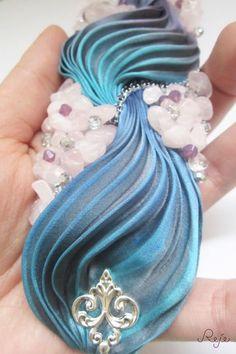 shibori silk bracelet - rose quartz, swarovski beads, crystals of Bohemia  https://www.facebook.com/rejegioielliinsoutache