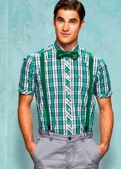 The stylists on Glee must have a ton of fun dressing Blaine.  I'm all about his nerd chic look right now.