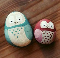 funny birds to paint on rocks Rock Crafts, Diy And Crafts, Crafts For Kids, Arts And Crafts, Pebble Painting, Pebble Art, Stone Painting, Painted Garden Rocks, Painted Rocks