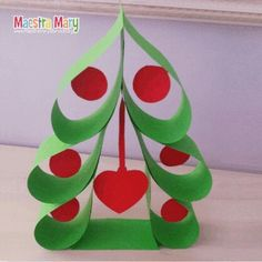 Easy and brilliant paper christmas ornaments for kids 30 - Smart Women Life Paper Christmas Ornaments, Diy Christmas Cards, Christmas Crafts For Kids, All Things Christmas, Kids Christmas, Holiday Crafts, Christmas Gifts, Christmas Decorations, Deco Table Noel