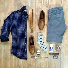 Outfit grid - Blue print shirt & trousers