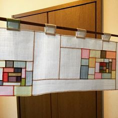 Photos and Videos Fabric Art, Fabric Crafts, Do It Yourself Design, Crazy Patchwork, Stained Glass Designs, Easy Sewing Projects, Applique Quilts, Baby Quilts, Textile Art