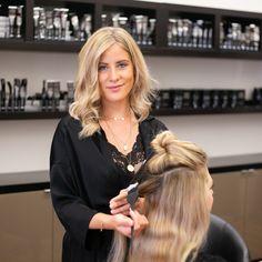 Ob simples Ansatz-Färben oder eine schöne Farbtechnik, unsere Color Experten kreieren für Sie Ihre individuelle Farbrezeptur & sorgen für ein großartiges Ergebnis. Alle unsere Team Member besuchen regelmäßig Technik- und Trend-Seminare und sind somit stets am neuesten Wissensstand.    Wir arbeiten ausschließlich mit den professionellen und tierversuchsfreien Farben und Tönungen von La Biosthetique Paris.   Foto Credit: www.kacy.at  #friseur #wien #hair #skin #makeup #1010wien #labiosthetique