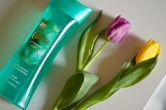 Caress Emerald Rush, i liked the smell of this. very fresh, unisex fragrance. would buy other caress shower gels.