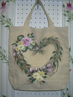 Fabric tote painted by Barb Fortier (Canada) using the one-stroke technique.