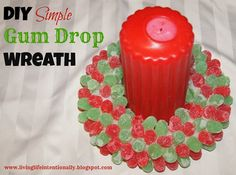 Super cute! I could totally make this Gum Drop Wreath! What a fun, festive centerpiece my kids would appreciate! And in less than 30 minutes WOW!