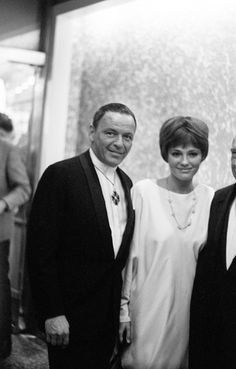 Frank Sinatra & Jacqueline Bisset at the premiere of the film: The Detective 1968
