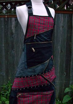 Items similar to Custom Womens Apron - Goth - Punk - Steampunk - Made to Order on Etsy Punk Jeans, Jean Apron, Custom Aprons, Aprons For Men, Denim Crafts, Sewing Aprons, Vintage Scarf, Refashion, Fabric