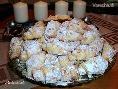 Trdelníkové svadobné rohlíčky (fotorecept) - My site Slovak Recipes, Czech Recipes, Ethnic Recipes, Slovakian Food, Food Platters, Biscuit Cookies, Food 52, Sweet Desserts, Cupcake Cakes