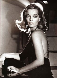 Portrait of Romy Schneider in Les innocents aux mains sales directed by Claude Chabrol, Photo by Giancarlo Botti Romy Schneider, Hollywood Stars, Old Hollywood, Hollywood Divas, Vanessa Redgrave, Isabella Rossellini, Alain Delon, Portraits, Catherine Deneuve