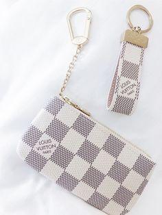 Louis Vuitton Coin Purse and Wristlet Luxury Purses, Luxury Bags, Louis Vuitton Coin Purse, Louis Vuitton Keychain, New Car Accessories, Girly Car, Cute Wallets, Cute Purses, Cute Bags