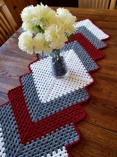 56 Ideas Crochet Table Runner Free Pattern Pictures For 2019 Crochet Table Runner Pattern, Free Crochet Doily Patterns, Easy Crochet Patterns, Crochet Designs, Quilt Patterns, Free Pattern, Caron Simply Soft, Baby Clothes Quilt, Crochet Supplies