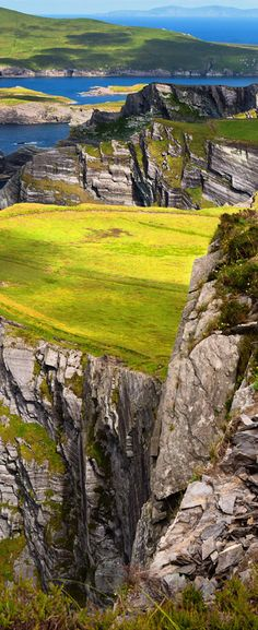 Kerry cliffs with view to Valentia Island, County Kerry, Ireland. www.beststoriesforchildren.com
