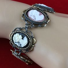 """Vintage 18"""" x 13"""" mm Cameo Bracelet Extendable Size 7""""-9"""" P5085A. Starting at $1"""