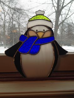 Stained glass christmas penguin with hat and scarf Stained Glass Ornaments, Stained Glass Birds, Stained Glass Christmas, Stained Glass Suncatchers, Stained Glass Designs, Stained Glass Panels, Stained Glass Projects, Stained Glass Patterns, Fused Glass