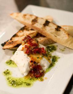 Burrata, Pesto, Sun Dried Tomato Tapenade, Crostini   Ariccia Italian Trattoria & Bar Menu   Photography by Heather Carson, Carson Studios #FoodPhotography
