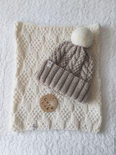 Купить Молочно-бежевый комплект из шарфа-трубы и шапки с помпоном - шапка вязаная, шапка с помпоном