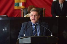 <p>Chihuahua, Chih.- La Comisión Primera de Gobernación en voz del diputad Miguel Vallejo, presentó el dictamen mediante el cual se solicitará
