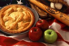 Who says it takes a lot of ingredients and time to make a delicious apple pie? Here are 4 easy and healthy apple pie recipes to try. Diabetic Apple Pie Recipe, Apple Pie Recipes, Perfect Apple Pie, Best Apple Pie, American Apple Pie, American Food, Old Fashioned Apple Pie, Recipe Icon, American Cuisine