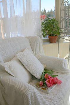 Aiken House & Gardens: Sunroom Delights