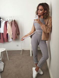 Interview Outfit for Women . Interview Outfit for Women . Short Outfits, Trendy Outfits, Summer Outfits, Cute Outfits, Fashion Outfits, Womens Fashion, Fashion Clothes, Elegantes Outfit Frau, Loungewear Outfits