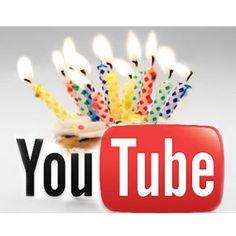 """Un lunes, pero hace 7 años YouTube subió su primer vídeo de 19 segundos, el """"Me At the Zoo"""" (Yo en el zoo). El vídeo, que muestra al co-fundador de YouTube, Jawed Karim, fue subido por el empleado Yakov Lapitsky un día como hoy en el año 2005."""