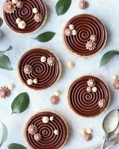 Vegan dark chocolate ganache tart with hazelnut crust. Gluten-free & Refined sugar free. Healthy, simple, and decadently rich! You only…