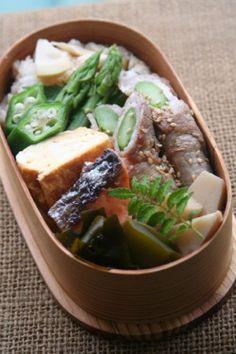 posted by @be_beejp 今日のお弁当は、アスパラの味噌肉巻と若竹煮弁当 #obentoart #obento #お弁当