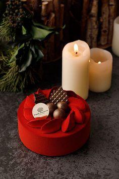 ピエール マルコリーニ(Pierre Marcolini)から2017年クリスマスケーキが限定登場。チョコレートとフルーツを組み合わせた、新作「ノエル ドゥ ピエール 2017」や「ブッシュ ドゥ ピ...