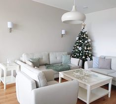 Couch, Furniture, Home Decor, Sofa, Sofas, Home Furnishings, Interior Design, Home Interiors, Settee