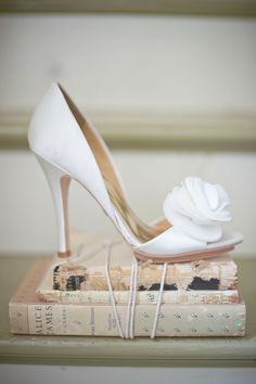 Badgley Mischka shoes and vintage books