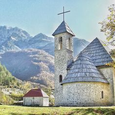 The church in Theth an isolated village in Northern Albania accessible only by foot or in an offroad vehicle along a 25 km path. Truely a unique experience in probably the most unexplored country in Europe. We arrange a tour of selected sites in Albania early October 2017!  #contourairse #litemeravallt #pin #resebyrå #rundresa #paketresa #kyrka #albanien #bokaresa #restips #semester #ressugen #resmål #reseblogg #welovetravel #resatillalbanien #visitalbania