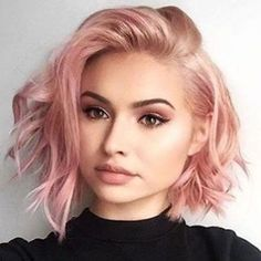 67 Pink Hair Color Ideas To Spice Up Your Looks for 2019 short messy rose gold hair color - Beliebt Kurze Haare Ideen Gold Hair Colors, Hair Color Pink, Edgy Hair Colors, Purple Hair, Hair Colours For Pale Skin, Hair Colours 2018, Fun Hair Color, Hair Colour Ideas, Faded Hair Color
