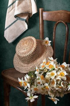 Straw Hat and Bouquet of Narcissus Flowers - nikolay-panov. floral still life with bouquet of narcissus flowers and straw hat laying in vintage old chair in countryside in spring time Flower Canvas, Flower Frame, Flower Art, Foto Still Life, Framed Prints, Canvas Prints, Art Prints, Narcissus Flower, Still Life Photography