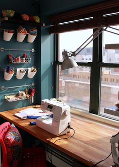 Sewing Room Ideas for An Inspiring Sewing Space - Home Ideas HQ Sewing Nook, Sewing Room Design, Sewing Spaces, Small Sewing Space, Sewing Station, Sewing Room Organization, Sewing Office Room, Small Room Design, Space Crafts