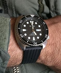 on Uncle Seiko waffle strap. Very nostalgic pairing. Seiko Diver, Expensive Watches, Seiko Watches, Watch Brands, Men's Collection, Gq, Omega Watch, Watches For Men, Accessories