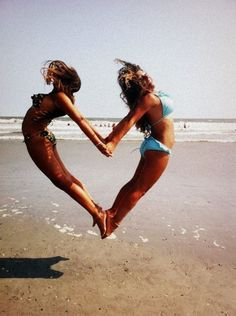 Every summer girls post pictures of them jumping at the beach, this one is actually clever and cute. Good job girls. Ha
