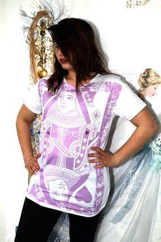 """Ed ecco a voi l'altra versione della t-shirt """"Regina di Cuori"""". ❤️ Quale vi piace di più?!"""
