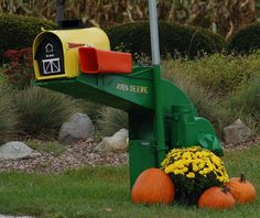 Illinois Landscaping. Unusual Mailbox Post  landscaping.about.com