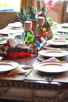 Hawaiian themed tablescape  with items from #Goodwill. #thrift #decor #entertain #summer #party
