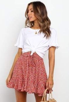 cute outfits for school . cute outfits with leggings . cute outfits for winter . cute outfits for school for highschool . cute outfits for women . cute outfits for spring Cute Skirt Outfits, Cute Casual Outfits, Cute Skirts, Summer Skirt Outfits, Green Outfits, Floral Skirt Outfits, Outfit Ideas Summer, Cute Outfits For Summer, Floral Skirts