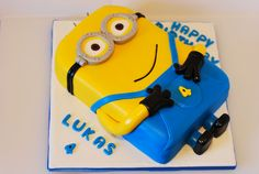 Minion sheet Cakes Without Fondant | this minion cake is vanilla sponge cake with jam and buttercream taken ...