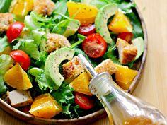 Salata de pui cu avocado, cu dressing de lime si miere - Retete practice