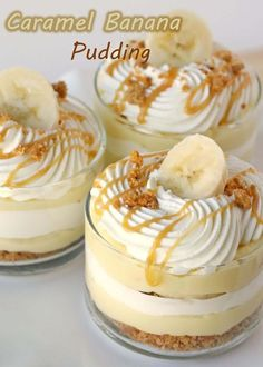 Party food and snack ideas - Mini Dessert Cups (Banana Caramel Cream Cups). These mini dessert cups are easy to serve at any event. And you can offer a variety on your party dessert table Just Desserts, Delicious Desserts, Yummy Food, Dessert Healthy, Dessert Food, Mini Desserts, Carmel Desserts, Party Desserts, Parfait Desserts