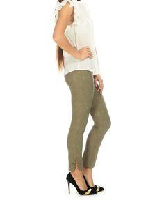 👖Kendinden Desenli Haki Pantolon 🏷47,99₺ ℹ️36, 38, 40, 42, 44 bedenleri mevcuttur. 🌏www.anindagiyim.com/urun/kendinden-desenli-haki-pantolon ☎️ 0212 438 73 25 ✅ Kapıda Ödeme ✅ Ücretsiz Kargo #moda #giyim #alışveriş #kadıngiyim #stil #trend #fashion #style #haki #pantolon #hakipantolon #desenlipantolon #hakidesenlipantolon #pants #yenisezon #indirim #ücretsizkargo #model Capri Pants, Skinny Jeans, Grey, Model, Fashion, Gray, Moda, Fashion Styles