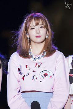 HD kpop pictures and gifs. Park Sooyoung, Red Velvet Seulgi, Red Velvet Irene, South Korean Girls, Korean Girl Groups, Rapper, Velvet Wallpaper, Kang Seulgi, Kim Yerim
